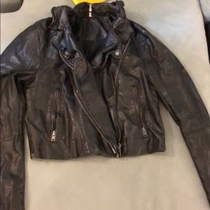 ✨FREE PEOPLE Sz L Black Vegan Leather Jacket!